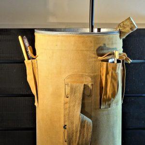 Zinc sink with tissue