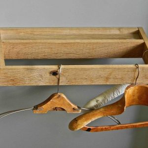 Suspended wall hanger in wood
