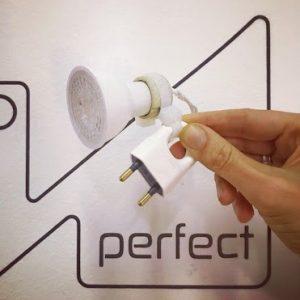'Plug n' Play' EU wall light